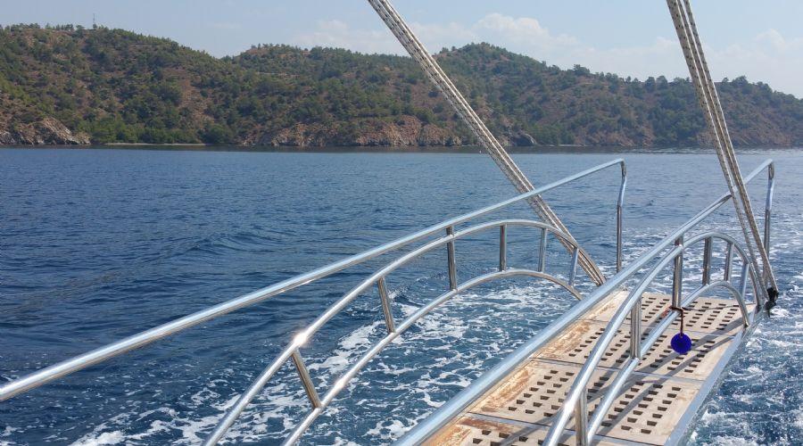 Kayalar Günlük Gezi Teknesi