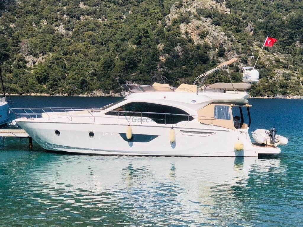 Our boat, which is in the category of Luxury, is ready for the groups up to 6 people with advantageous prices.