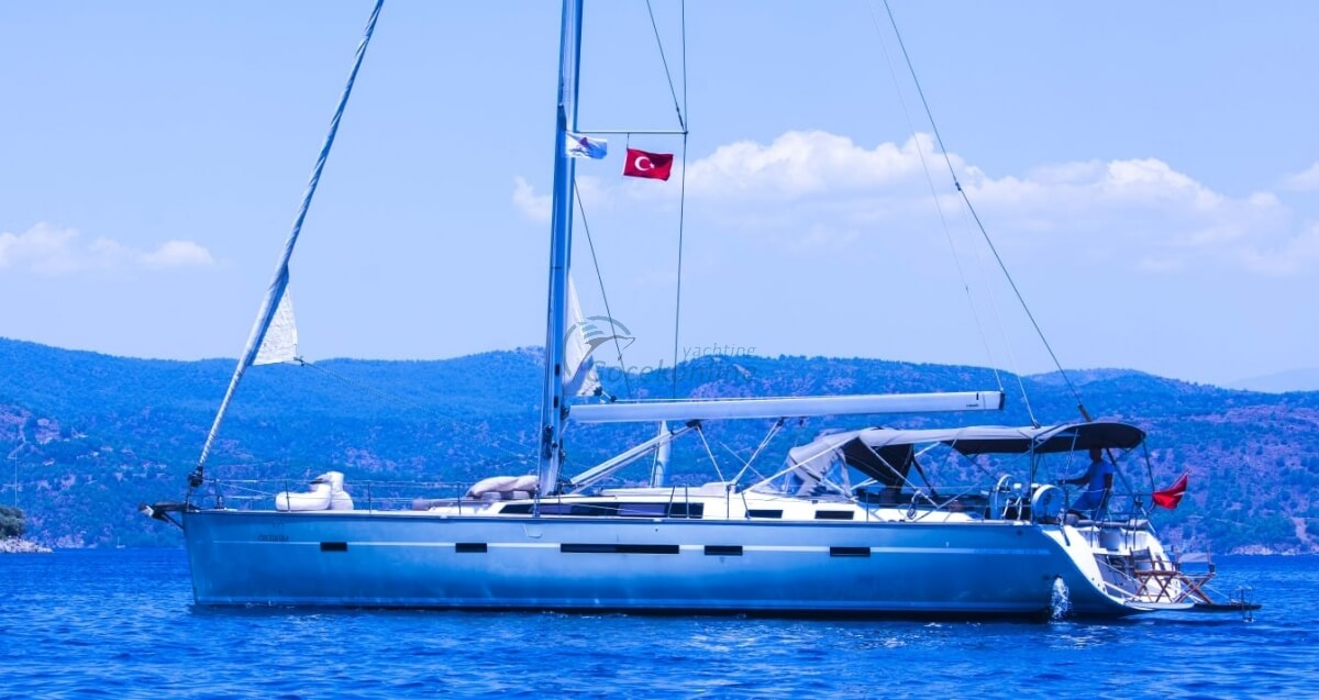 Bavaria 56 - Ozgurum, made in 2014, offers blue tour lovers all the features they are looking for.