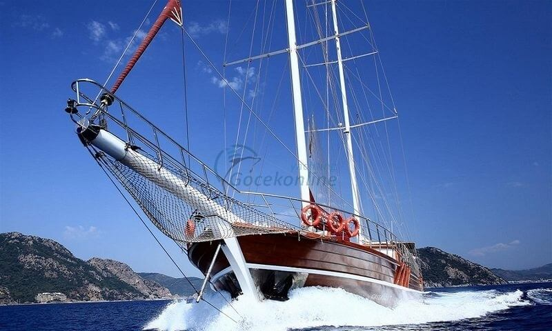 Our boat, which is in the category of Luxury, is ready for the groups up to 22 people with advantageous prices.