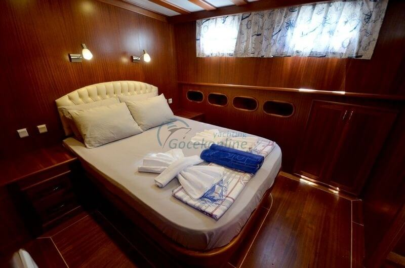 Cagan is a blue cruise boat that can meet all the expectations of special groups up to 12 people.