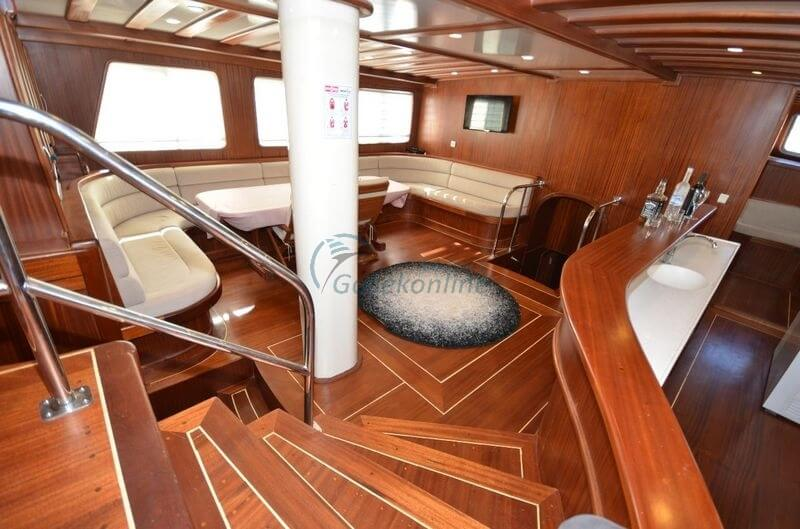 Our boat, which is in the category of Luxury, is ready for the groups up to 12 people with advantageous prices.