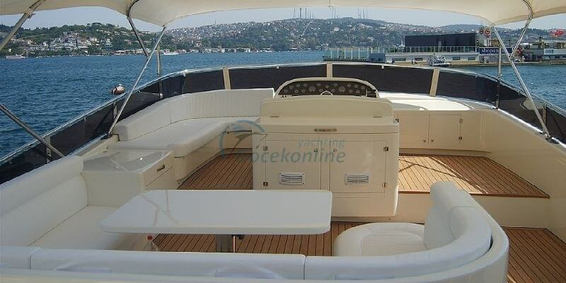 Flamingo teknesi flybridge