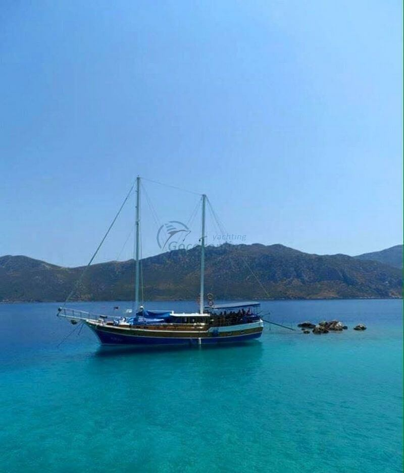 Kaptan Ozgen is a blue cruise boat that can meet all the expectations of special groups up to 12 people.