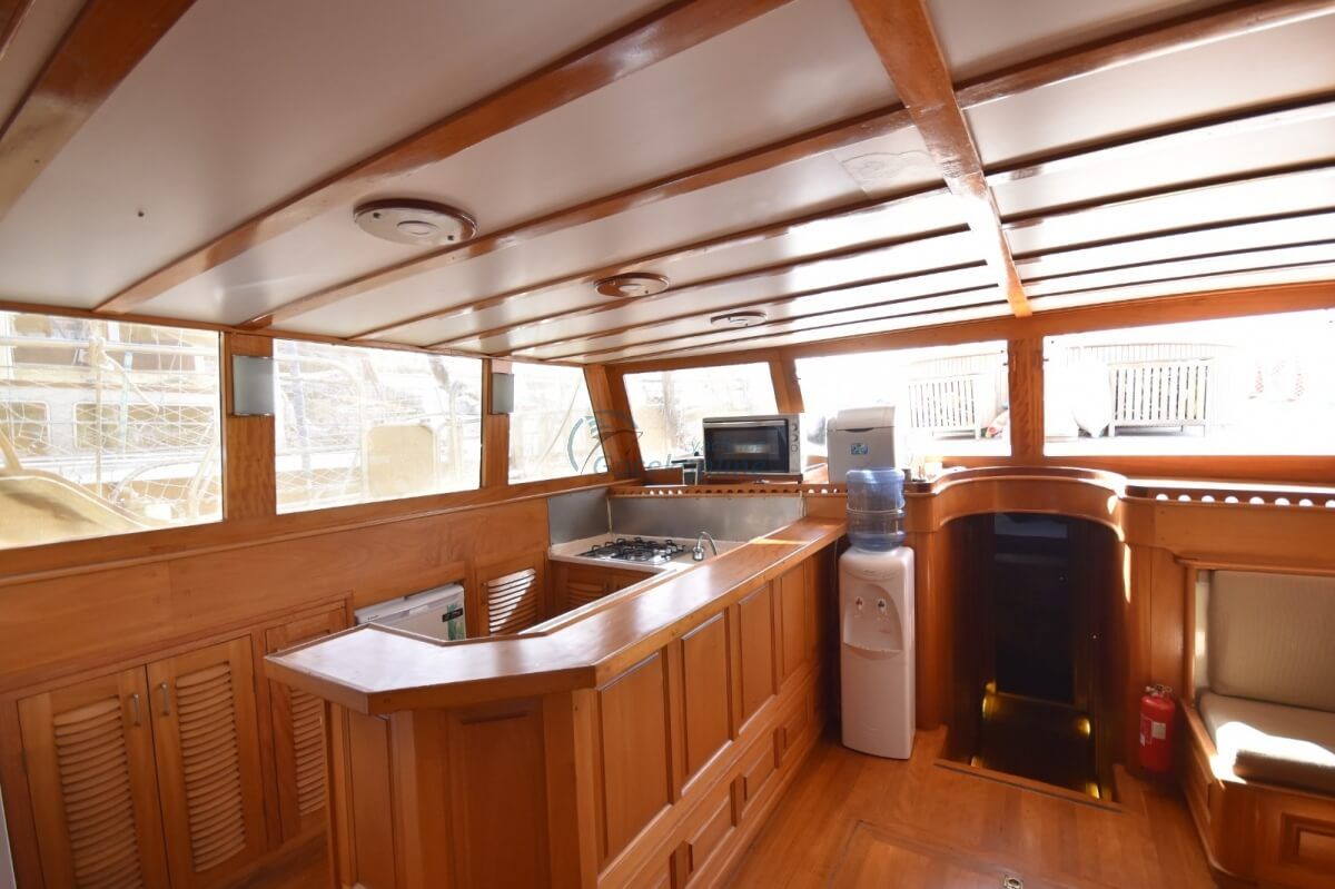 Our boat, which is in the category of Luxury, is ready for the groups up to 10 people with advantageous prices.