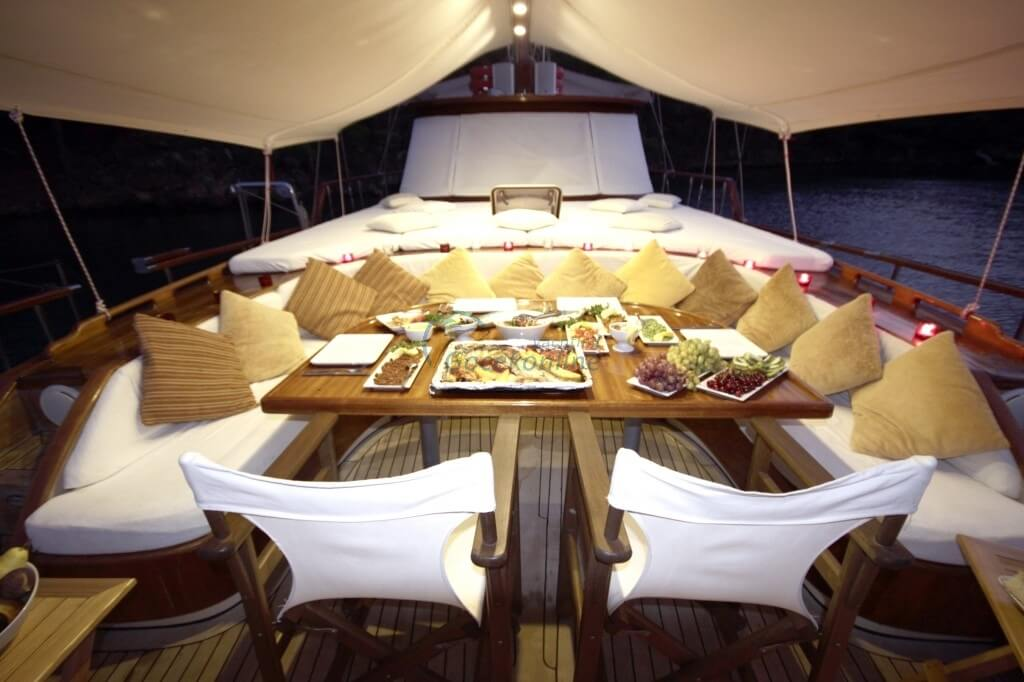 There are 1 master, 1 double, 1 twin cabins in our boat, which has a length of 22 meters and a width of 6 meters.